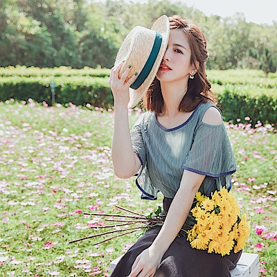 iMODA STAR-純色優雅蕾絲挖肩荷葉短袖上衣