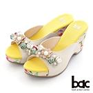 【bac】復古花色拼接皮革楔型台拖涼鞋-米色