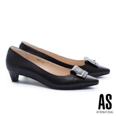 低跟鞋 AS 金屬反折帶釦羊皮尖頭低跟鞋-黑