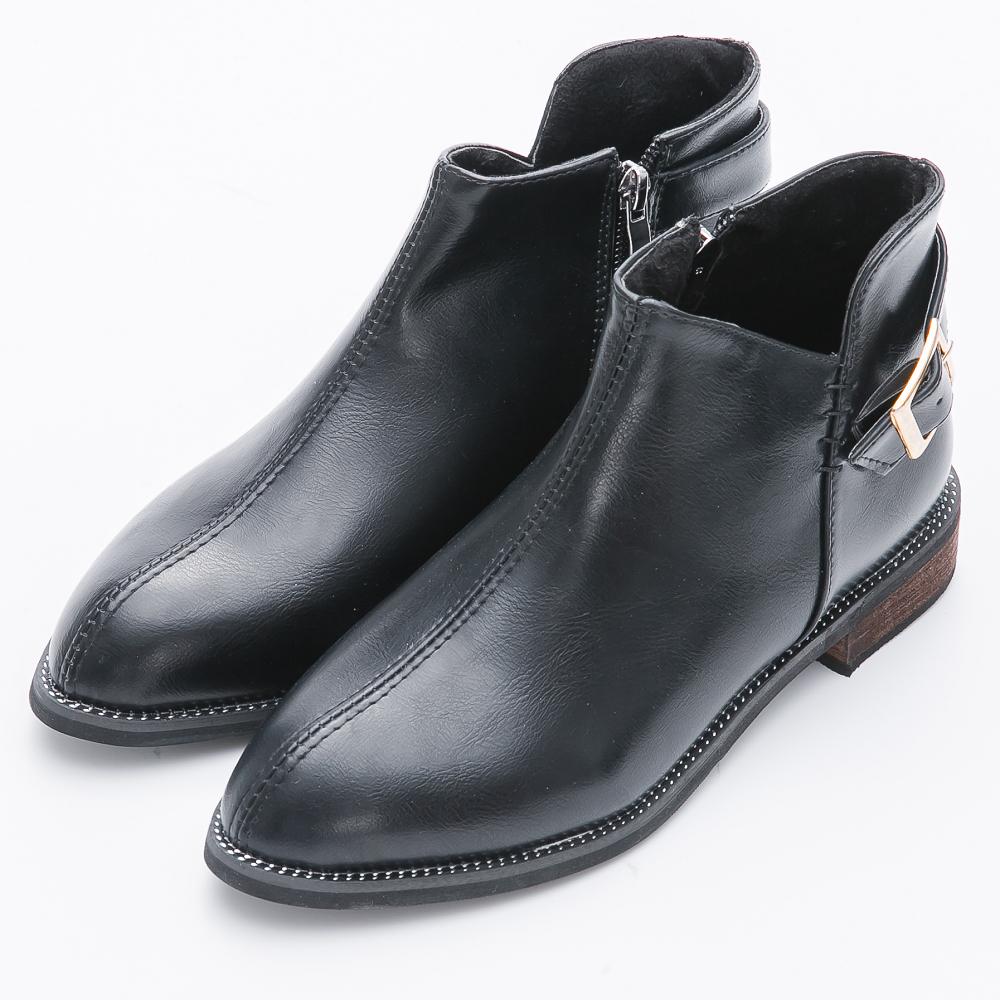 River&Moon短靴-個性側V金扣微尖楦粗跟短靴-黑