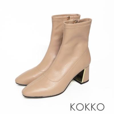 KOKKO激瘦感美腿方頭鏡面粗跟拉鍊襪靴奶茶色