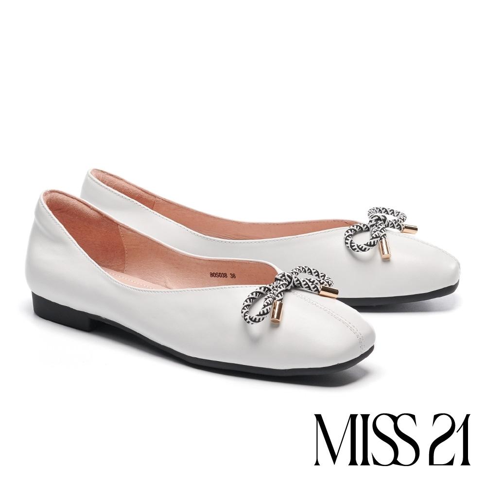低跟鞋 MISS 21 小別緻復古蝴蝶結設計全真皮方頭低跟鞋-米白