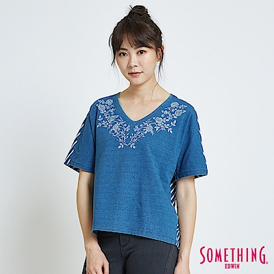 SOMETHING 靛藍花卉短袖T恤-女-漂淺藍