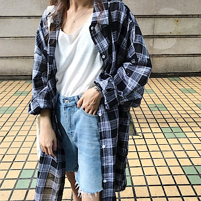 La Belleza雙線格子井字格紋排釦長版棉麻襯衫