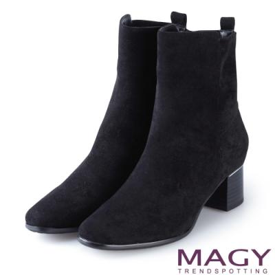 MAGY 質感素面絨布粗跟 女 短靴 黑色