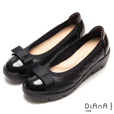 DIANA 漆皮拼接菱格紋牛皮蝴蝶結圓頭厚底鞋-焦糖美人-黑