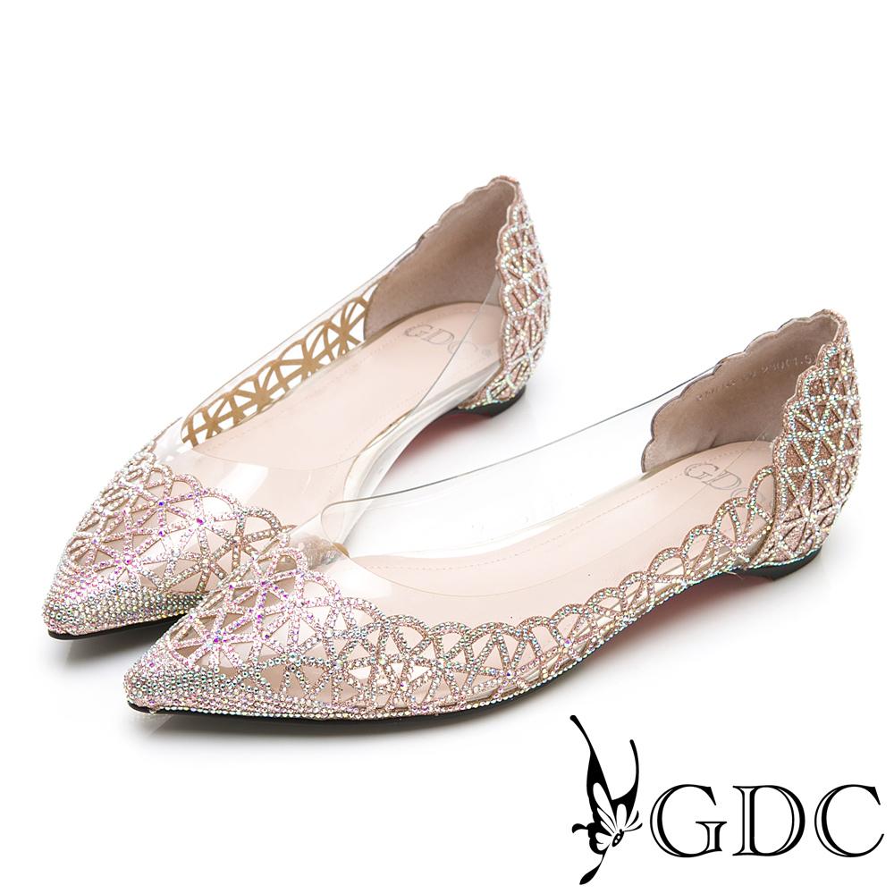 GDC-晚宴典雅閃爍水鑽簍空玻璃感透明雕花平底尖頭鞋-金色