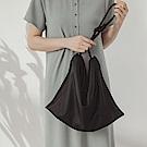 純色霧面皮革繩結背帶簡約側背包-OB大尺碼