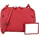 BOTTEGA VENETA 小型手工編織羊皮斜背包(紅色)