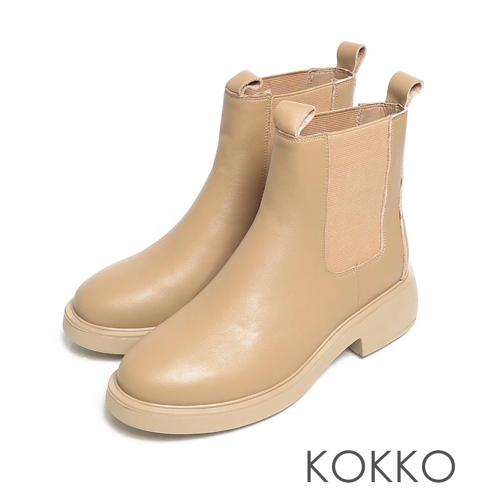 KOKKO極簡霧面牛皮側鬆緊切爾西粗跟輕量短靴卡其色