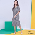 V領不規則鬆緊格紋洋裝 TATA