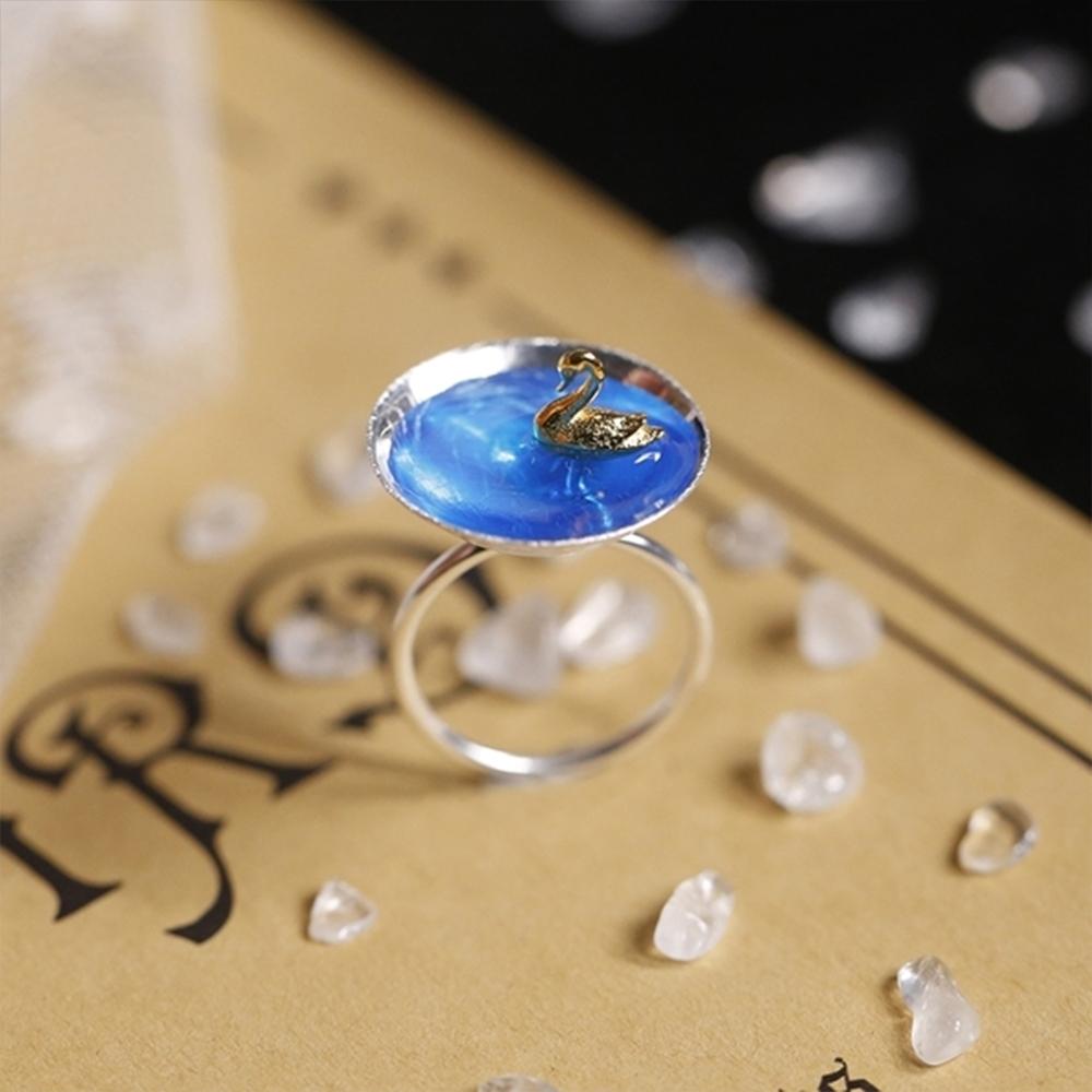 東方美學藝術純銀琺瑯工藝蔚藍的天鵝湖純銀戒指-設計所在