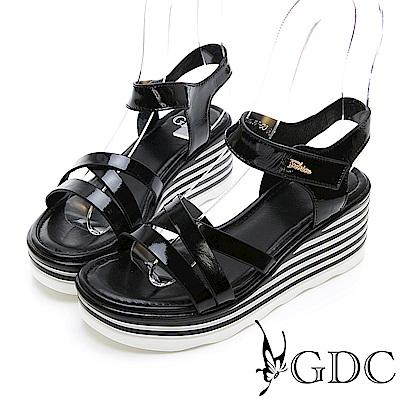 GDC-漆皮交叉簡約春下百搭楔型涼鞋-黑色