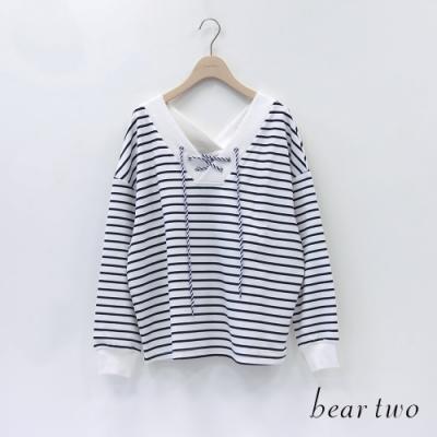 bear two- 大V領綁帶條紋上衣 - 黑