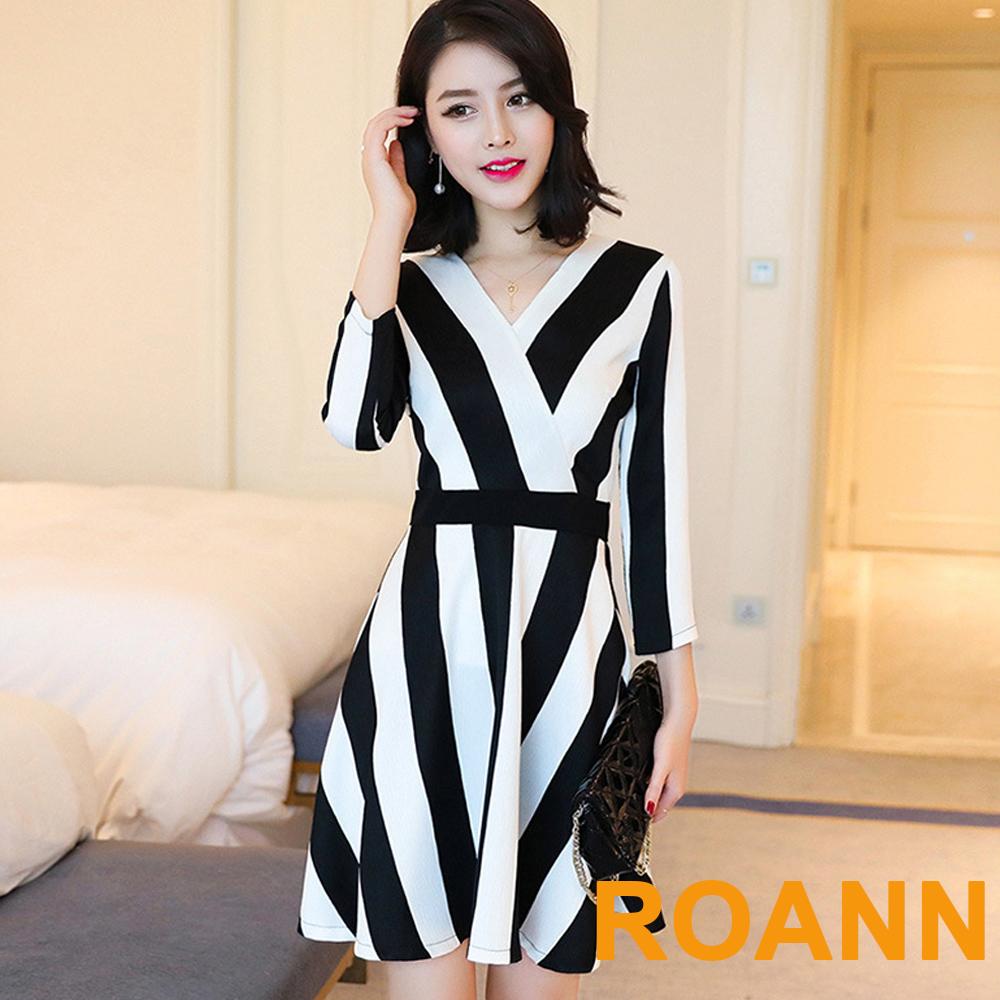 交疊V領豎條紋高腰長袖洋裝 (黑色)-ROANN
