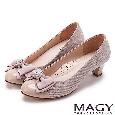 MAGY 甜美新風貌 珍珠鑽飾蝴蝶結牛皮中跟鞋-粉紅