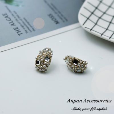 【ANPAN愛扮】韓東大門復古氣質珍珠鑲鑽925銀針耳釘式耳環