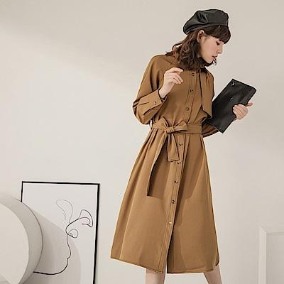 純色不易皺配色縫線襯衫領附綁帶排釦中長洋裝/外套-OB嚴選