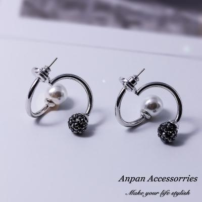 【ANPAN愛扮】韓東大門NYU幾何交叉珍珠925銀針耳釘式耳環-黑灰亮球