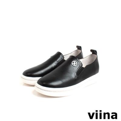 viina 牛皮壓紋白色烤漆logo鑽飾休閒鞋-黑