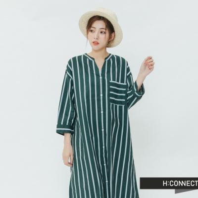 H:CONNECT 韓國品牌 女裝-亮眼條紋長版襯衫-綠