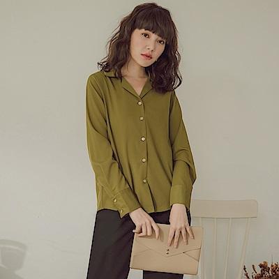 純色不易皺微光澤貝殼排釦長袖襯衫-OB嚴選
