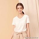 GIORDANO 女裝棉質素色V領口袋T恤-16 皎雪