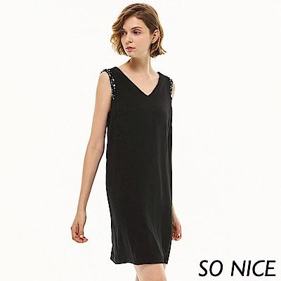 SO NICE俏麗珠飾露背洋裝