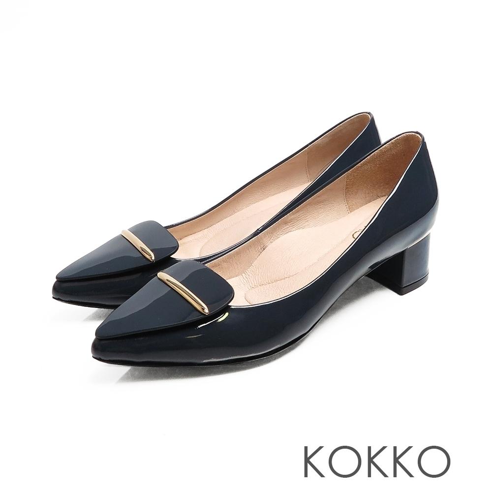 KOKKO - 芙蘿拉擁抱漆皮彎折尖頭跟鞋-經典藍