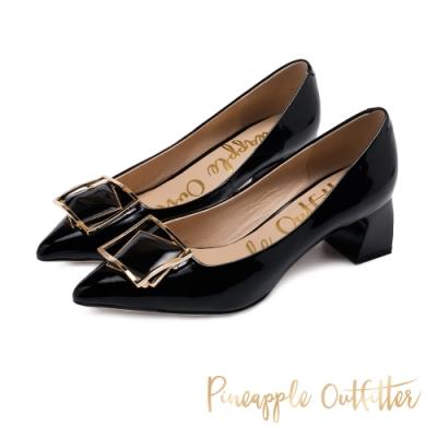Pineapple Outfitter 層疊立體方型金屬釦 鏡面尖頭粗跟鞋-黑色