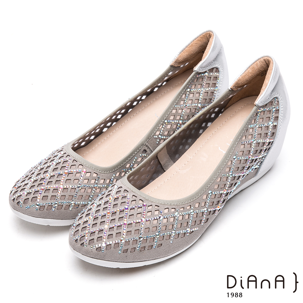 DIANA 華麗代言—簍空水鑽異材質拼貼娃娃鞋-銀