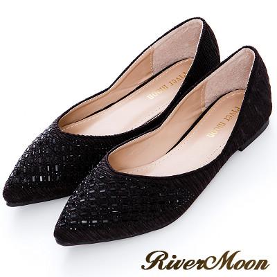 River&Moon大尺碼- 典雅側V開口皺褶晶鑽尖頭鞋-細緻黑