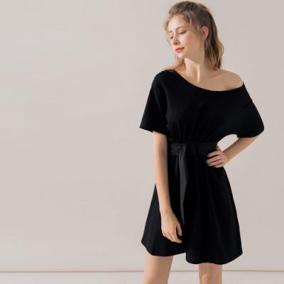 AIR SPACE 圓領腰帶造型短袖洋裝(黑)