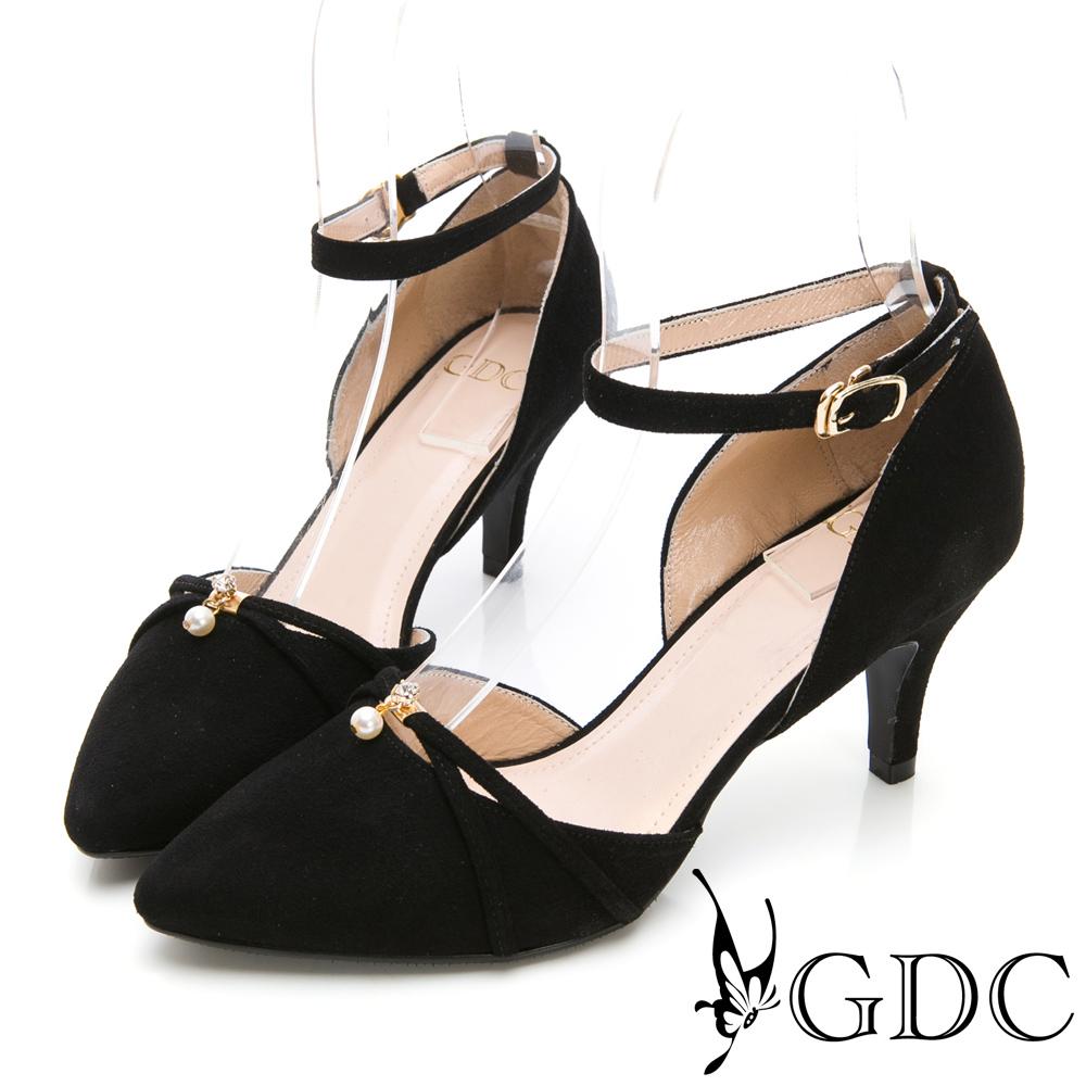 GDC-氣質名媛羊絨交叉珍珠扣飾繞帶尖頭鞋-黑色