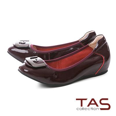 TAS U型金屬飾扣漆皮內增高娃娃鞋–微醺酒紅