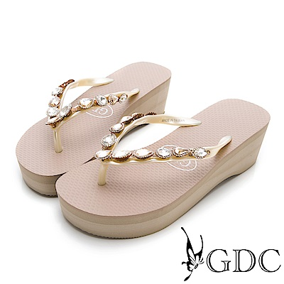 GDC-夏天海灘逛街必備水鑽微厚底夾腳拖鞋-米色
