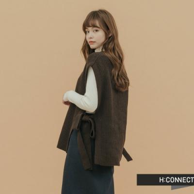 H:CONNECT 韓國品牌 女裝 - 側簍空綁結針織背心 - 褐色