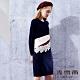 麥雪爾 立體蕾絲織花長版針織洋裝-深藍 product thumbnail 1