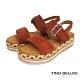 Tino Bellini 牛麂皮雙釦帶草編厚底涼鞋-紅棕 product thumbnail 1