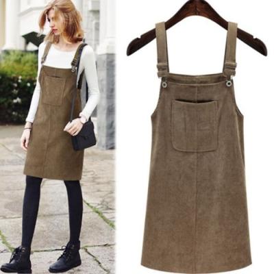 MOCO燈芯絨寬鬆大口袋肩帶可調背帶裙吊帶裙