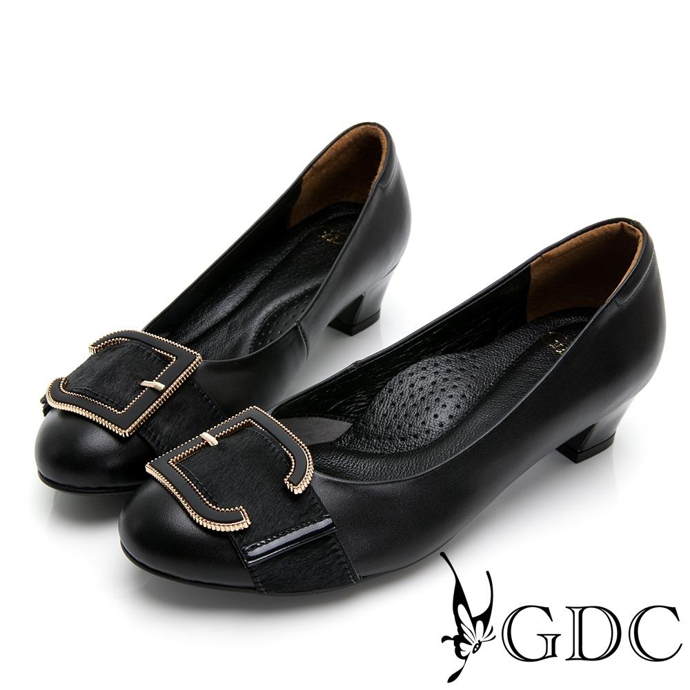 GDC-真皮馬毛歐美知性設計感釦飾低跟鞋-黑色