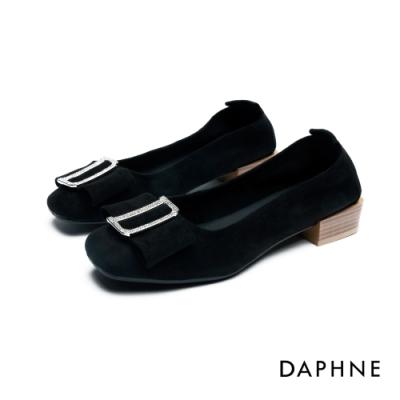 達芙妮DAPHNE 低跟鞋-D字鑽扣蝴蝶結方頭低跟鞋-黑