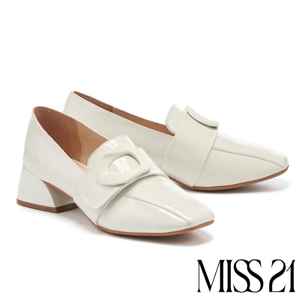 高跟鞋 MISS 21 經典率性大環釦方頭粗高跟鞋-白
