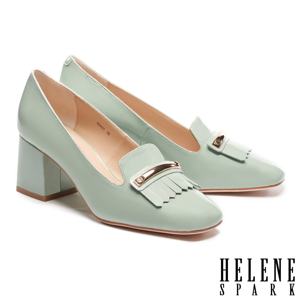 高跟鞋 HELENE SPARK 復古流蘇長飾釦方頭樂福粗高跟鞋-綠