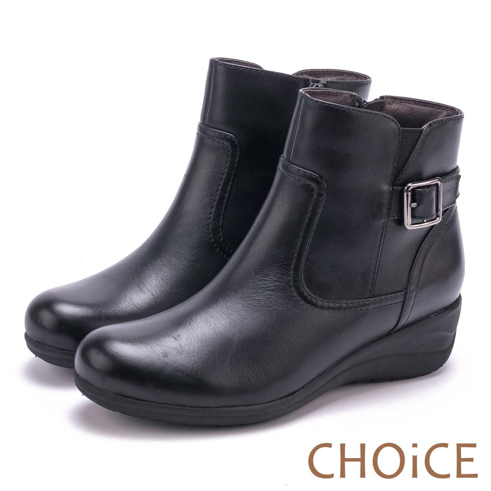 CHOiCE 個性復古 真皮皮帶釦環坡跟短靴-黑色