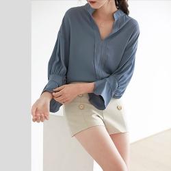 艾米蘭-小V領澎袖造型雪紡襯衫-2色(S-XL)