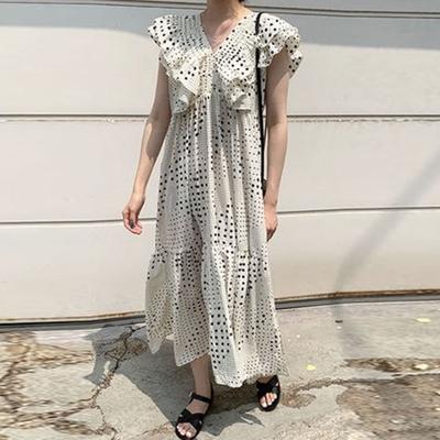 La BellezaV領壓摺大片荷葉袖點點印花層次裙擺雪紡洋裝
