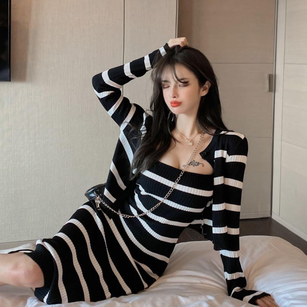 La Belleza圓領坑條開釦針織薄外套加細肩吊帶合身針織背心裙兩件式