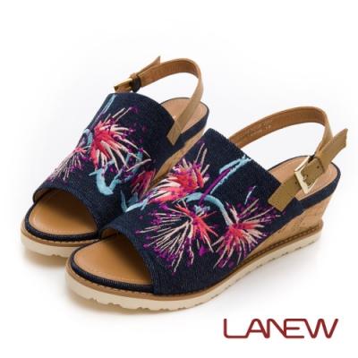 LA NEW Q Lite 牛仔布刺繡楔型跟 涼鞋(女225064270)