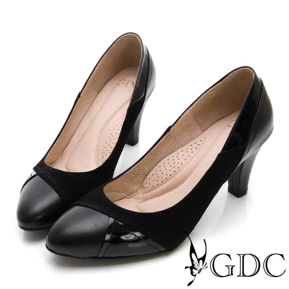 GDC-異材拼接真皮微尖頭設計感中跟包鞋-黑色